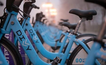 Cómo funcionan las bicis eléctricas y por qué no te sirven para entrenar (pero sí pueden mejorar tu salud)
