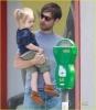 46_Tobey Maguire y su hija Sunday.jpg