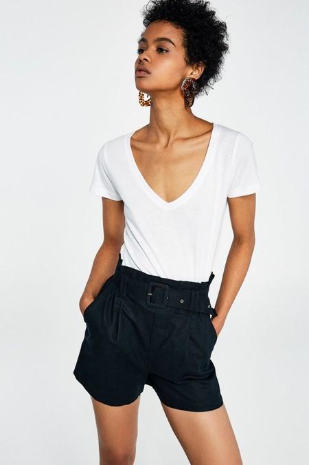 camiseta blanca sfera