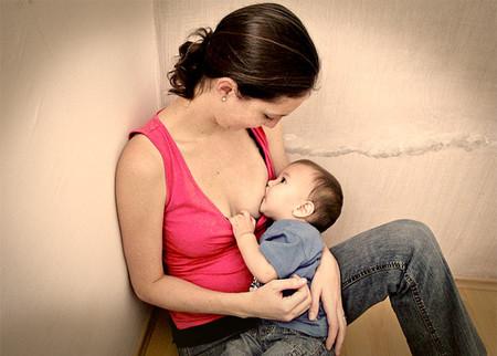 ¿Cuáles son los inconvenientes de dar el pecho para las madres?