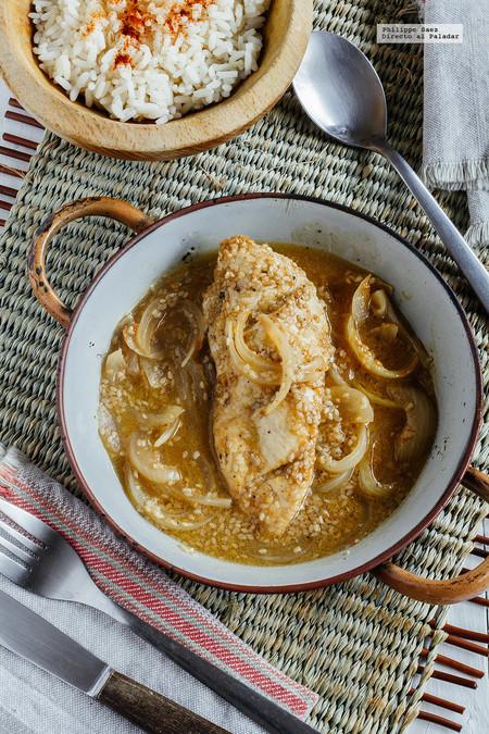 Pollo salsa ajonjolí y cebolla