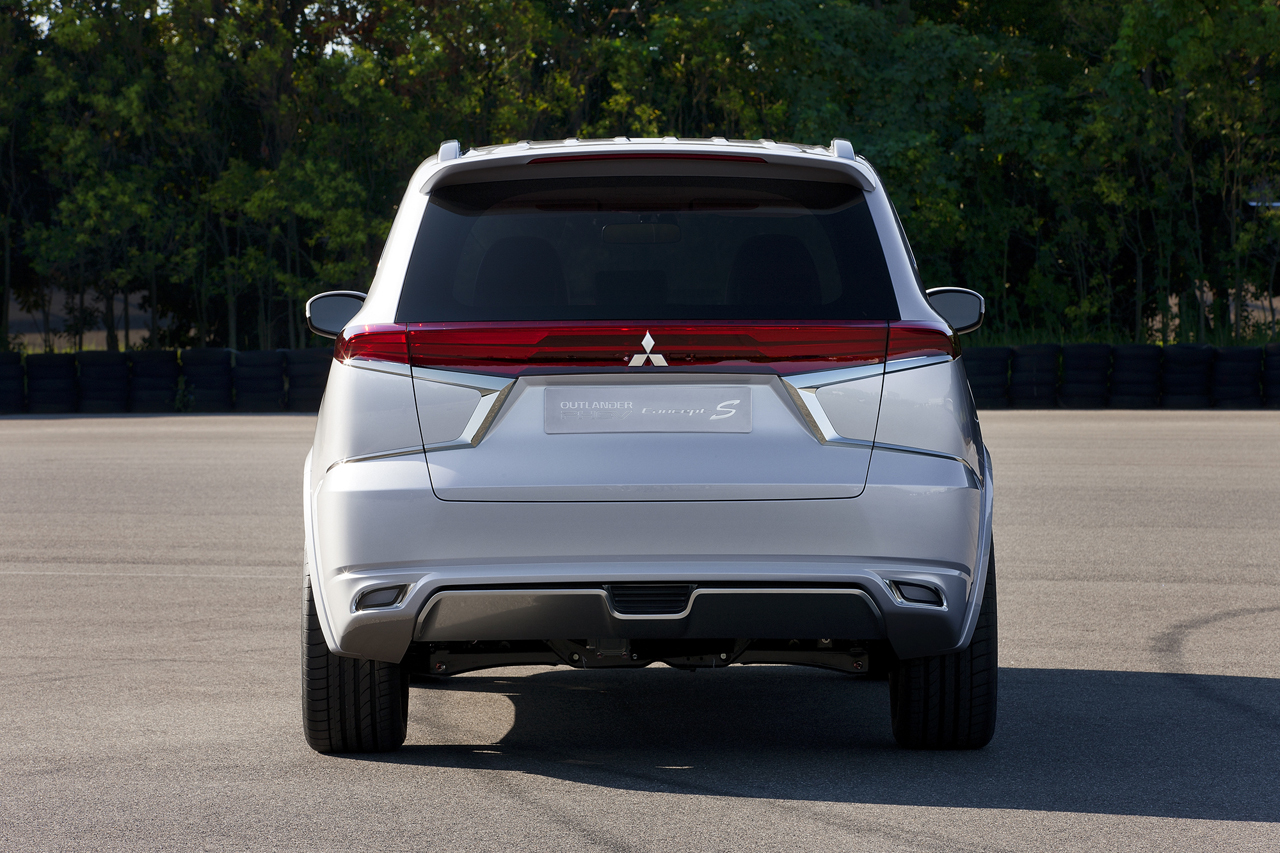 Foto de Mitsubishi Outlander PHEV Concept-S (7/49)