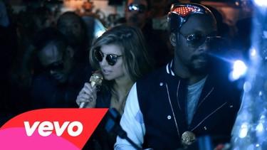 Para los Black Eyed Peas no es del todo suficiente así que presentan un nuevo vídeo: Just Can't Get Enough