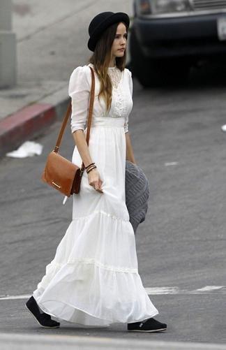 isabel lucas vestido blanco