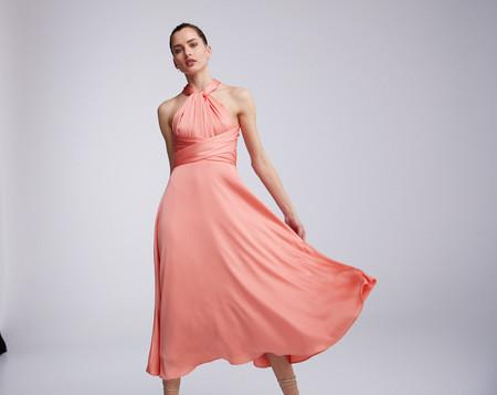 Pedro del Hierro tiene el vestido de invitada ideal que puedes lucir de seis formas diferente