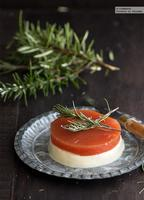 Mousse de queso fresco de cabra con dulce de membrillo. Receta