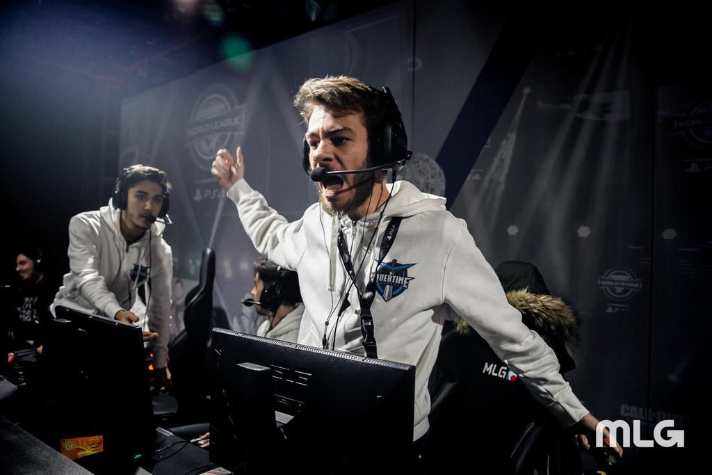 Un jugador de CWL Pro League, la mayor liga de Call of Duty, denuncia que su equipo les dejó tirados en Las Vegas y sin cobrar