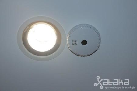 Modulador junto a la bombilla LED