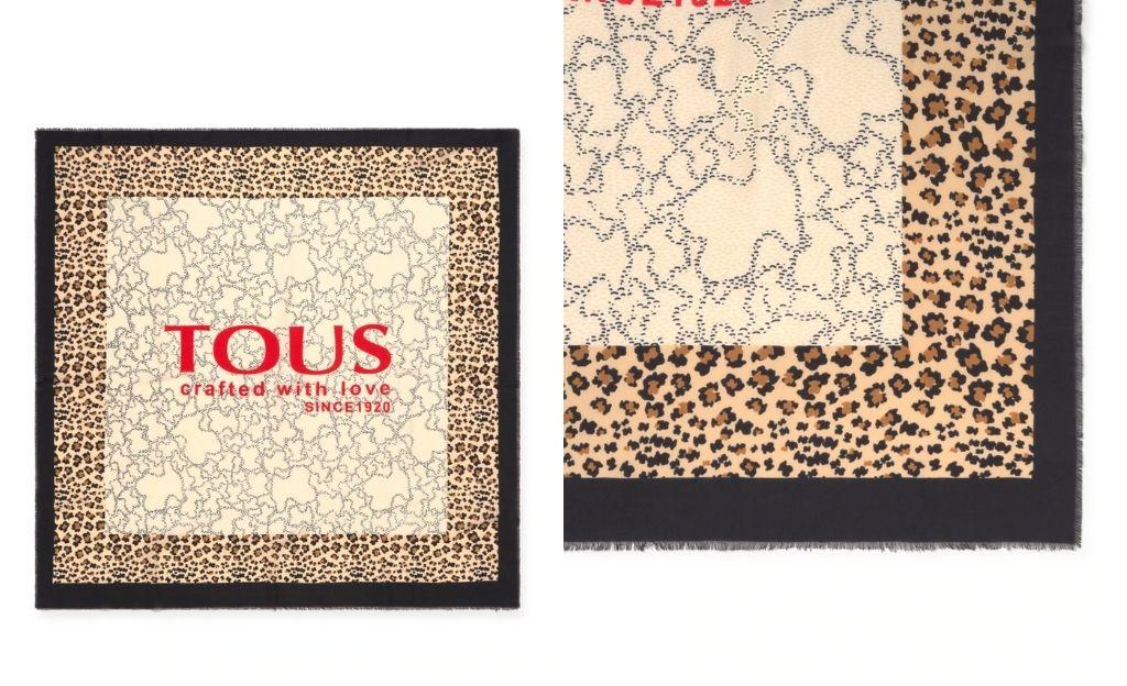 Pañuelo Tous Kaos Icon de algodón en beige con print combinado