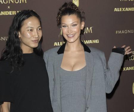 Bella Hadid y otras modelos presumen de looks en la fiesta Magnum x Alexander Wang de Cannes 2018