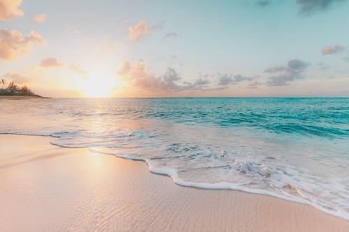 El agua no es solo para nadar: Algunas actividades de las que podemos disfrutar a remojo para mantenernos en forma en vacaciones