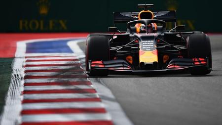Max Verstappen sorprende en Rusia marcando el mejor tiempo mientras la Fórmula 1 espera a la lluvia