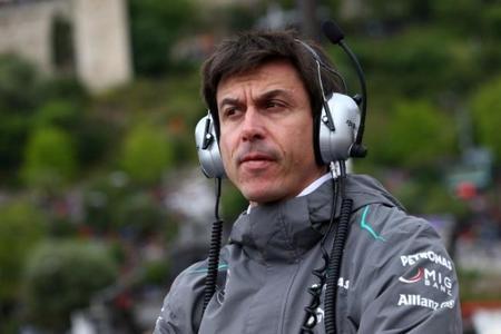 Para Toto Wolff, Red Bull merece ganar los títulos de esta temporada