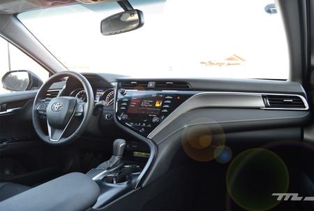 Toyota Camry 2018 11