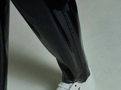 Más sneakers en el barrio de los modernos: Adrian Smiley de Acne Studios