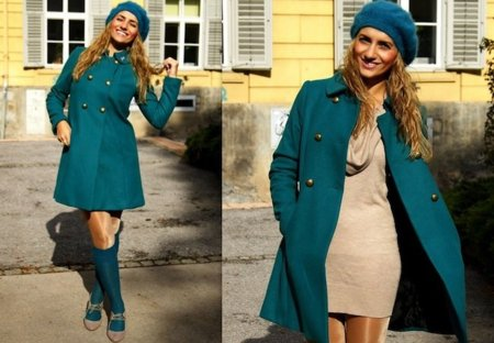 Turquesa abrigo Moda en la calle