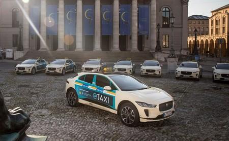 Jaguar lanza su primera flota de taxis eléctricos en Múnich con el I-PACE haciendo los honores