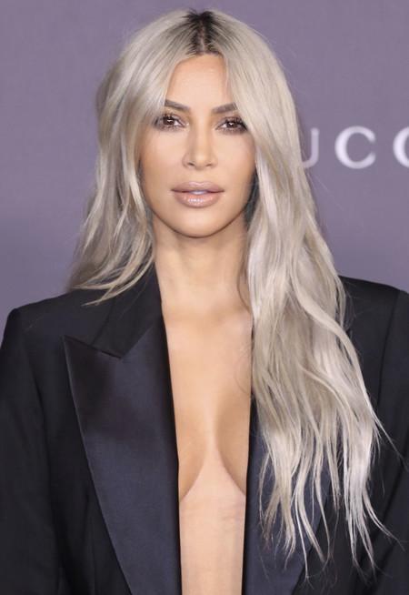 El último look de Kim Kardashian para estas navidades: una melena azul