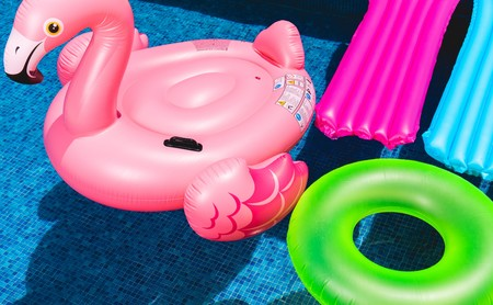 Estas son las infecciones más comunes que puedes contraer en la piscina (y cómo mantenerte a salvo)