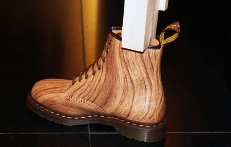 Las Dr. Martens de madera de Davidelfín