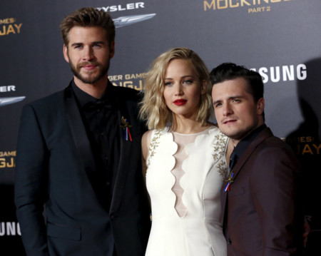 Los juegos del hambre: duelo de estilos sobre la alfombra roja entre  Liam Hemsworth y Josh Hutcherson