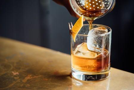 Tres Cocteles Faciles De Preparar Para Que Este Otono Te Luzcas Con Tus Dotes De Bartender