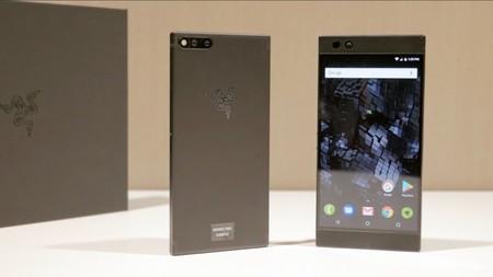 Razer Phone: una verdadera bestia con 8 GB de RAM y pantalla a 120 Hz para el deleite de los gamers