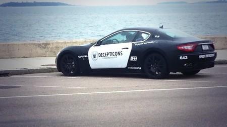 No es buena idea decorar tu Maserati como un coche patrulla