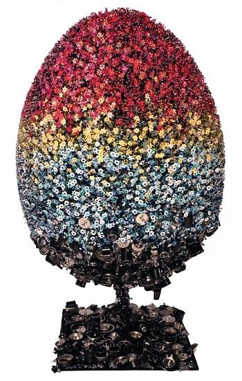 Mary Katrantzou ha diseñado un huevo Fabergé para el May Fair Hotel