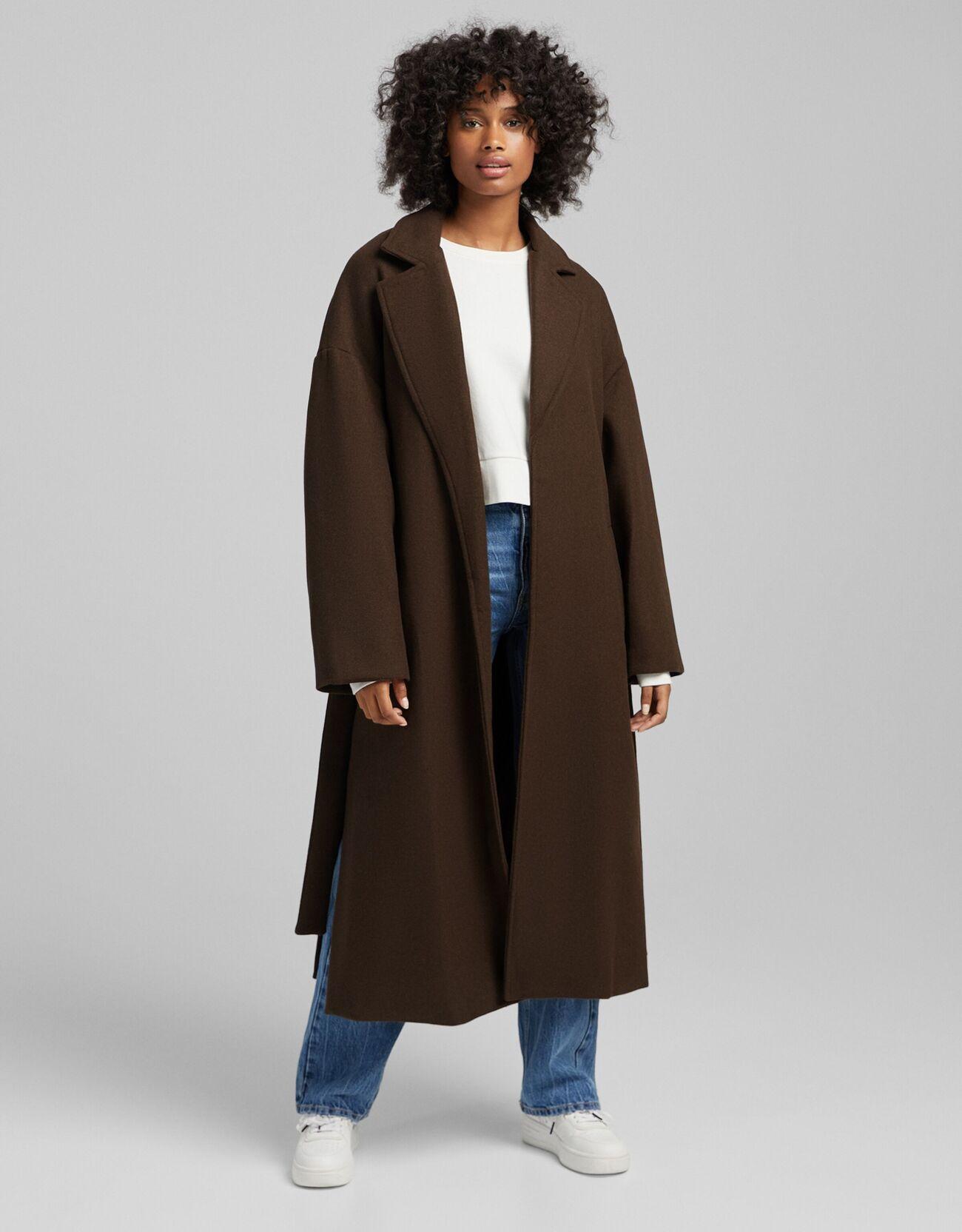 Abrigo de lana con cinturón