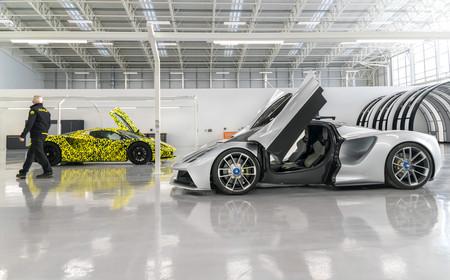 El Lotus Evija, el coche eléctrico de los 2.000 CV, más cerca: el prototipo final está a punto de salir del horno para las pruebas