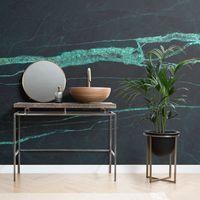Colores oscuros en papel pintado, nueva tendencia para las paredes del cuarto de baño en 2019