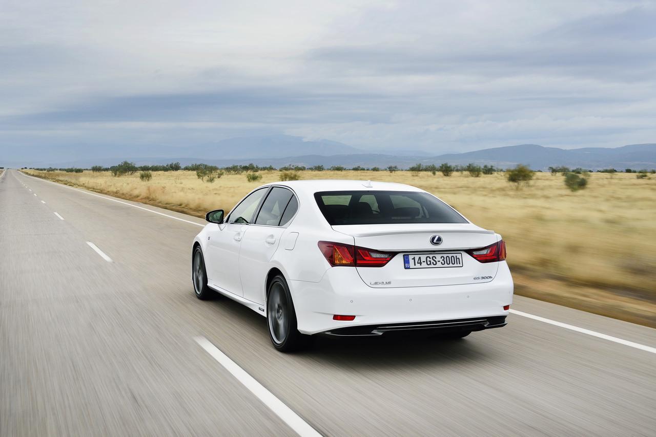 Foto de Lexus GS 300h (58/153)