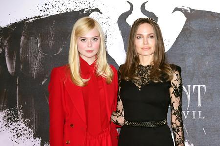 Angelina Jolie y Elle Fanning, duelo de dos estilos muy diferentes en Londres