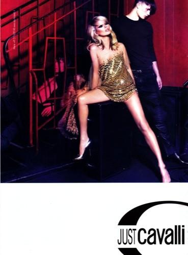 Kate Moss sigue junto a Just Cavalli, en la campaña Otoño-Invierno 2009/2010