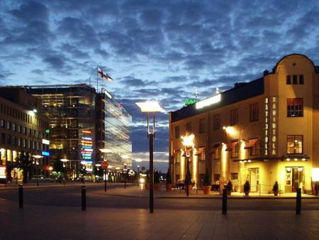 800px Mittsommernacht In Helsinki