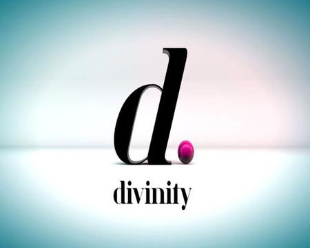 """Divinity estrena 'Cazamariposas', un """"informativo del glamour"""""""