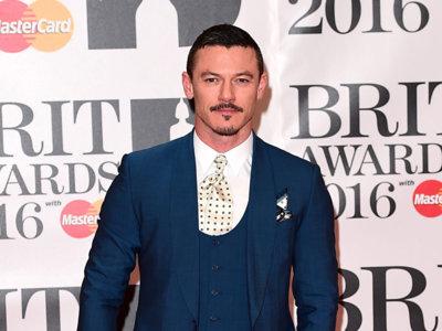 Repasamos los looks de los Brit Awards, una noche en la que vale (casi) todo