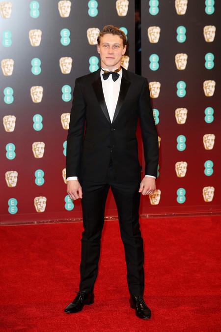 George Mackay Red Carpet Bafta Awards 2017 1