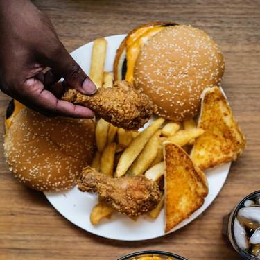 Los alimentos menos saciantes y que pueden conducirte al aumento de peso