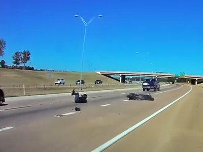 Este motorista nos enseña por qué no debemos encararnos en carretera, y menos contra una pick-up enorme