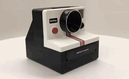 """Instagif homenajea a las Polaroid pero """"imprime"""" GIFs: tú mismo puedes fabricar una"""