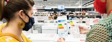 Así son las nuevas etiquetas de eficiencia energética: una escala más exigente, códigos QR y diferencian entre SDR y HDR en las teles