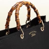 Los 9 bolsos clásicos que llevan la fantasía a tu armario