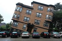 La banca es una gran y eficiente inmobiliaria