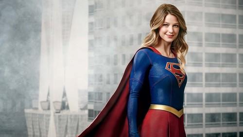 'Supergirl', una optimista superheroína con mucho aún por aprender