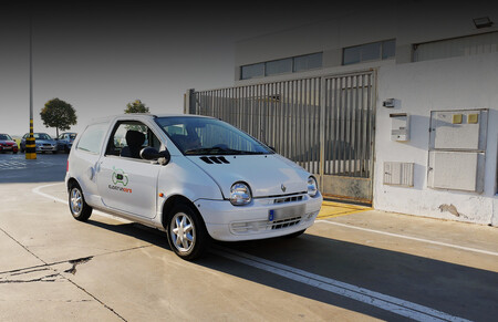 """Este hombre convierte coches de combustión en eléctricos: """"Cualquiera con ciertos conocimientos sobre electricidad puede hacerlo"""""""