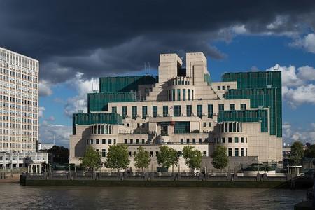 """El MI5 sigue su juego, quiere un """"Acceso excepcional"""" a los mensajes cifrados"""
