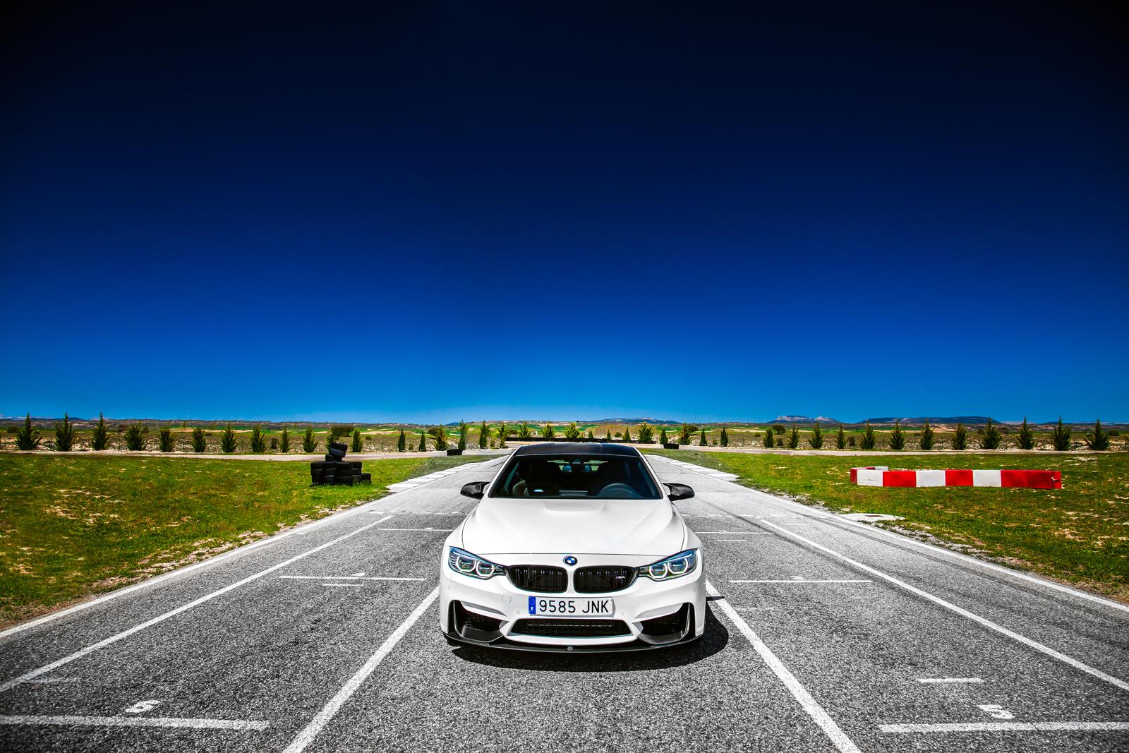 Foto de BMW M4 CS (40/60)