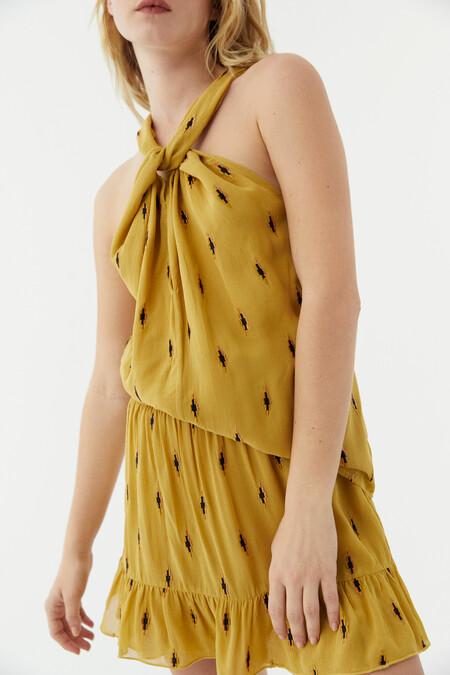 Hoss Intropia vuelve el 1 de marzo y lo hace con una romántica colección de vestidos, y muchas prendas más que son un auténtico flechazo
